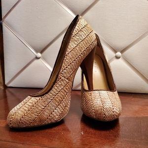 Mia Round Toe Petra Heels